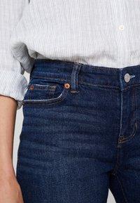 GAP - BERMUDA LINDSAY - Shorts - dark indigo - 5