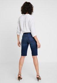 GAP - BERMUDA LINDSAY - Shorts - dark indigo - 2