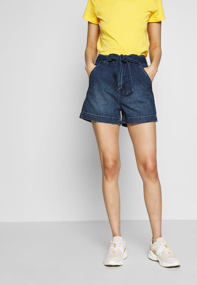 IN TIE WAIST - Denim shorts - dark wash