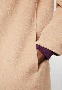 GAP - COAT - Classic coat - camel - 5