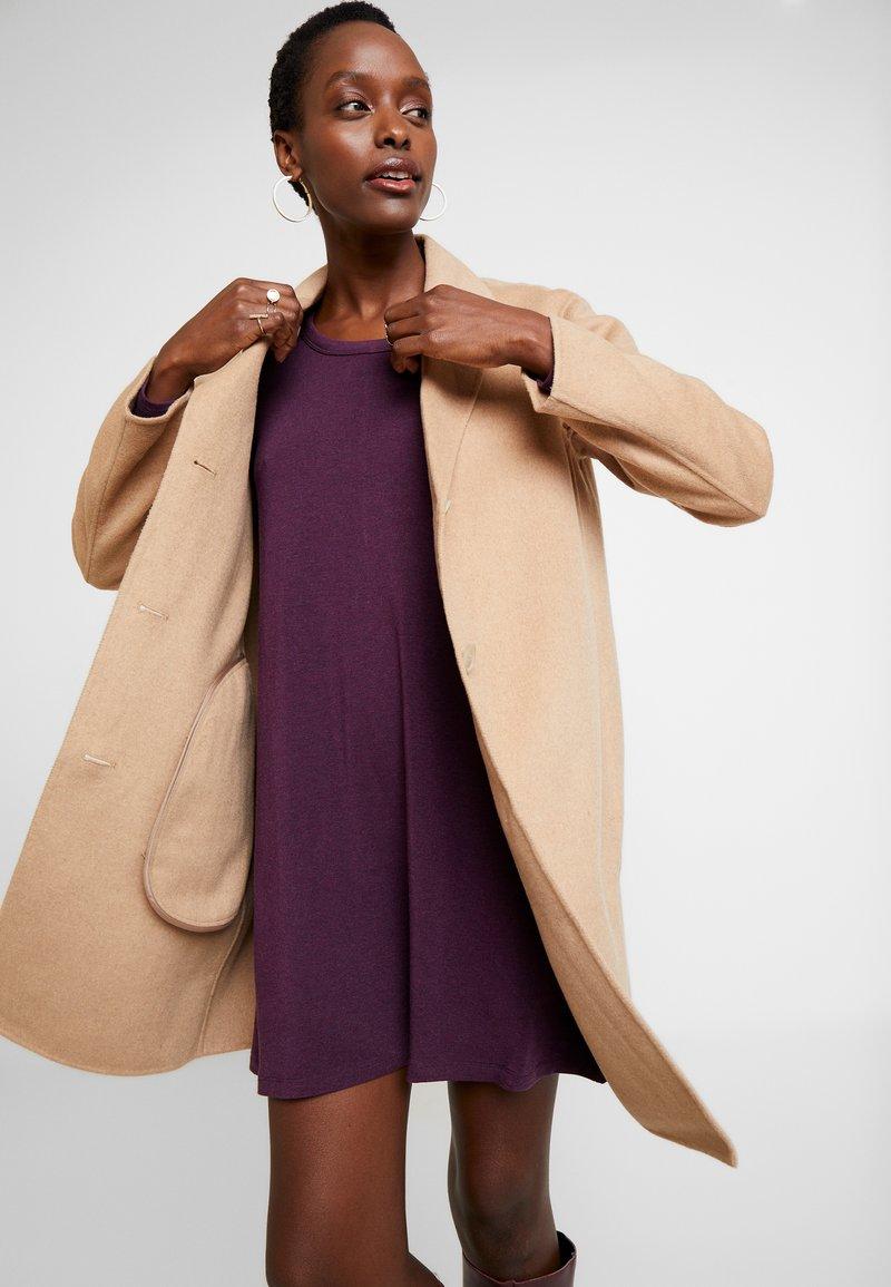 GAP - COAT - Classic coat - camel