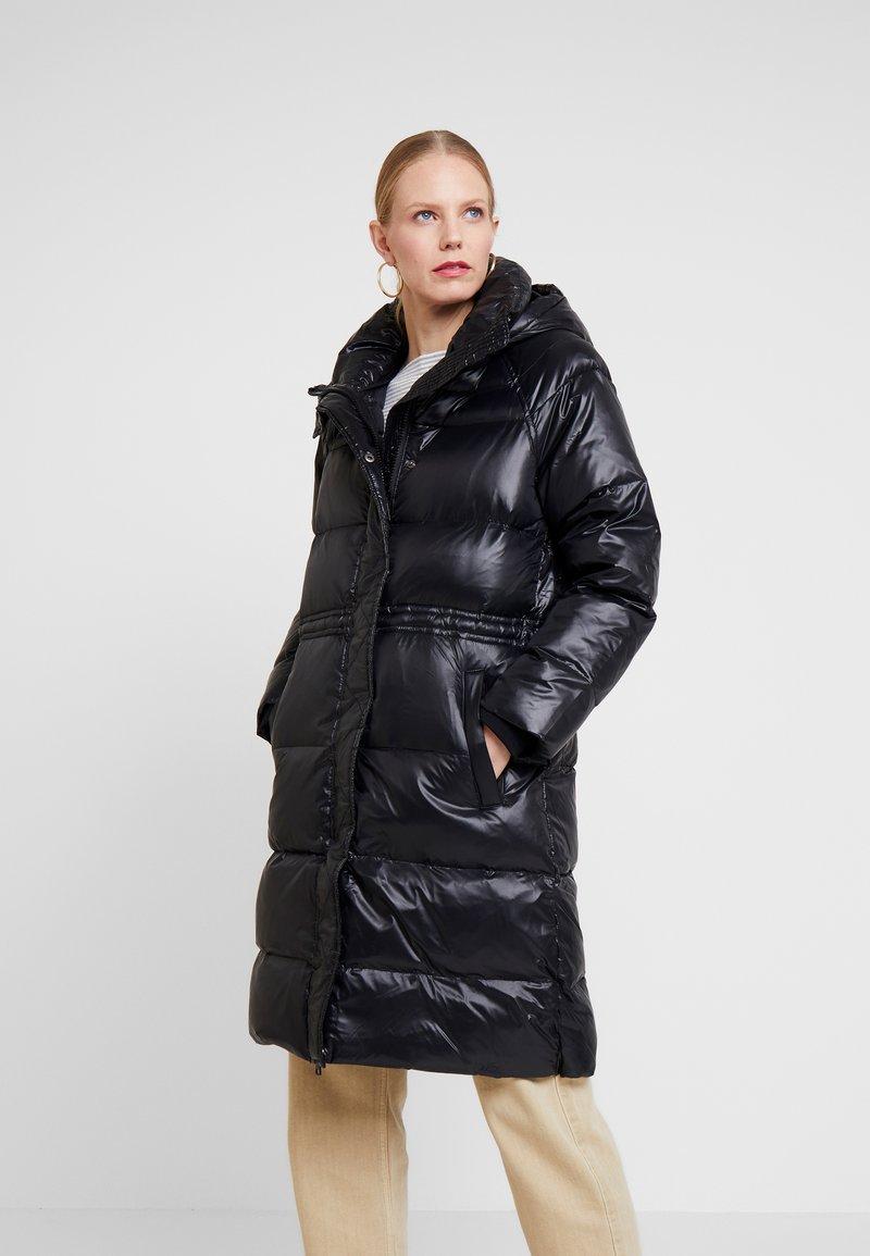 GAP - LONG PUFFER COAT - Kabát zprachového peří - true black