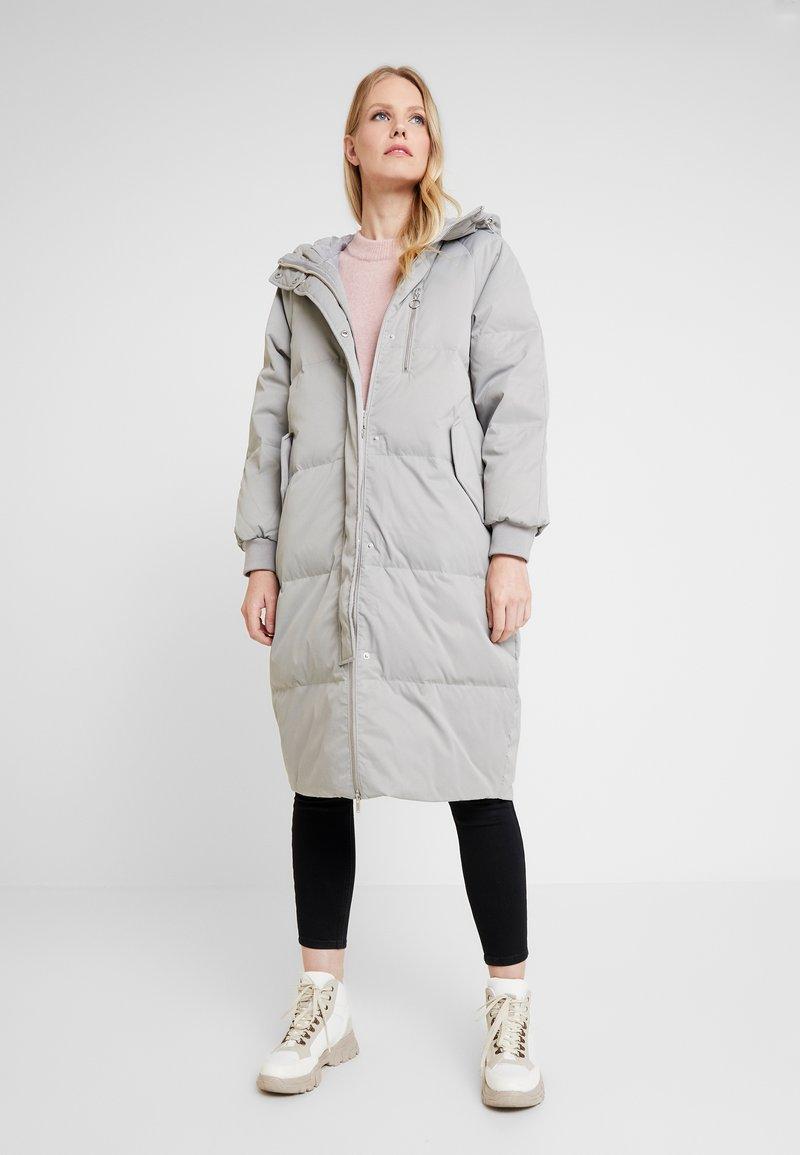 GAP - Down coat - silver
