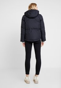 GAP - Gewatteerde jas - true black - 2