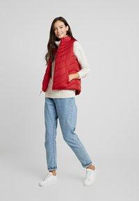 GAP - PUFFER VEST - Waistcoat - modern red - 1