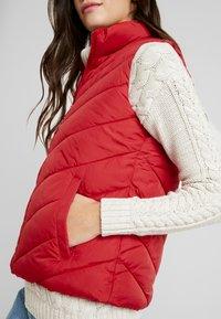 GAP - PUFFER VEST - Waistcoat - modern red - 5