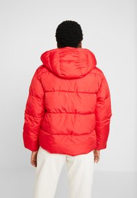 GAP - V-MIDWEIGHT NOVELTY PUFFER - Winter jacket - pure red - 2