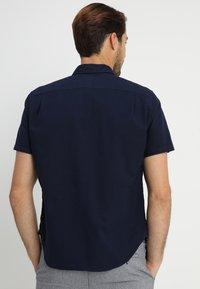 GAP - BASIC OXFORD - Shirt - tapestry navy - 2