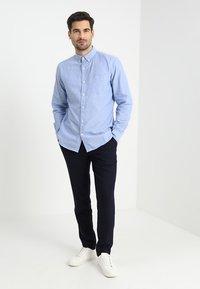 GAP - OXFORD STANDARD - Koszula - light blue - 1