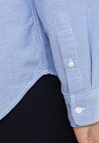 GAP - OXFORD STANDARD - Koszula - light blue - 5