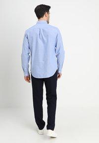 GAP - OXFORD STANDARD - Koszula - light blue - 2
