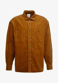 GAP - OVERSHIRT - Camisa - cream caramel - 3