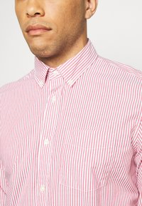 GAP - POPLIN SHIRTS - Koszula - pure red stripe - 5