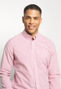 GAP - POPLIN SHIRTS - Koszula - pure red stripe - 3