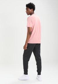 GAP - MODERN LOGO - Teplákové kalhoty - charcoal grey - 2