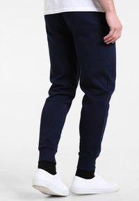 GAP - MODERN LOGO - Pantalon de survêtement - tapestry navy - 2