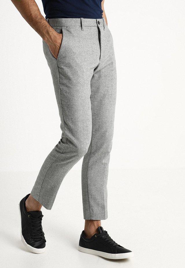 SLIM PANT - Stoffhose - light grey