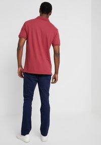 GAP - V-LIVED - Chino kalhoty - tapestry navy - 2
