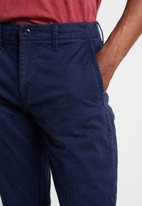 GAP - V-LIVED - Chino kalhoty - tapestry navy - 3