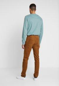 GAP - Pantalon classique - syrup - 2
