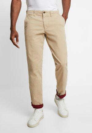 Chino kalhoty - iconic