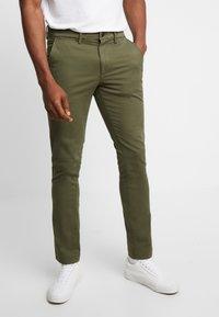 GAP - ESSENTIAL SLIM FIT - Kalhoty - black moss - 0