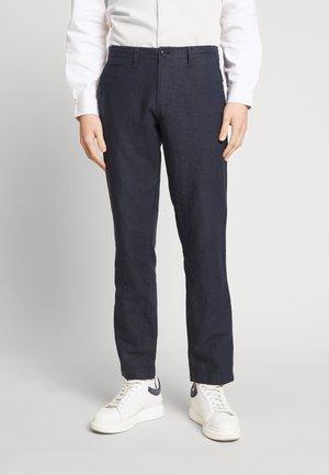 NEW SLIM PANTS - Spodnie materiałowe - tapestry navy