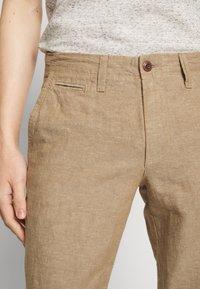 GAP - NEW SLIM PANTS - Kangashousut - beige - 3