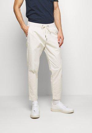 EASY PANT - Pantalon classique - unbleached white