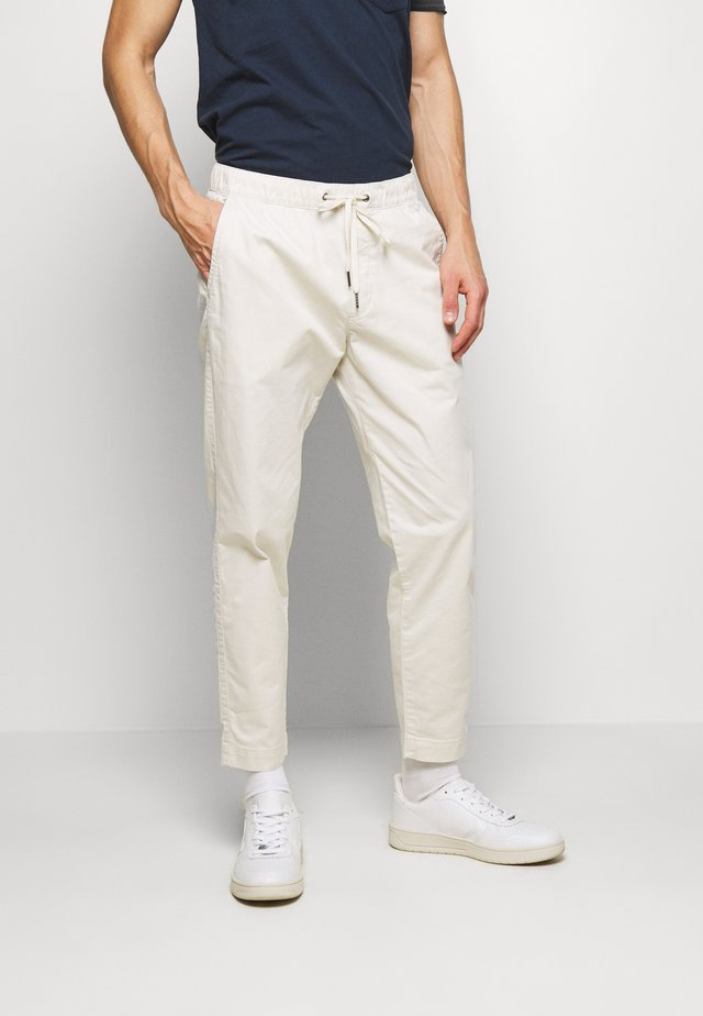 EASY PANT - Trousers - unbleached white