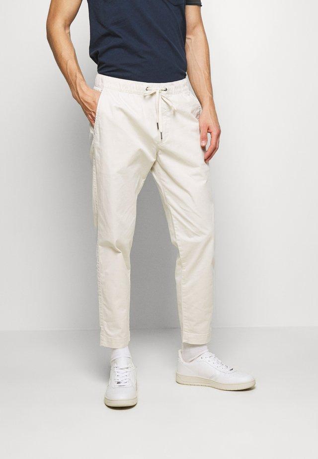 EASY PANT - Pantaloni - unbleached white
