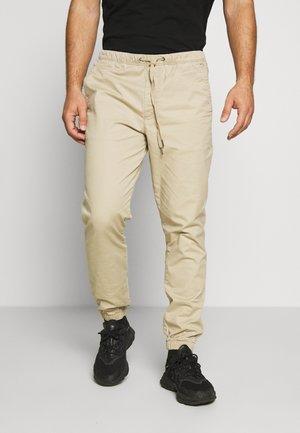 JOGGER - Pantalones - iconic khaki