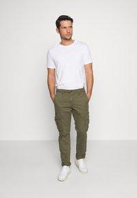 GAP - Cargo trousers - khaki - 1