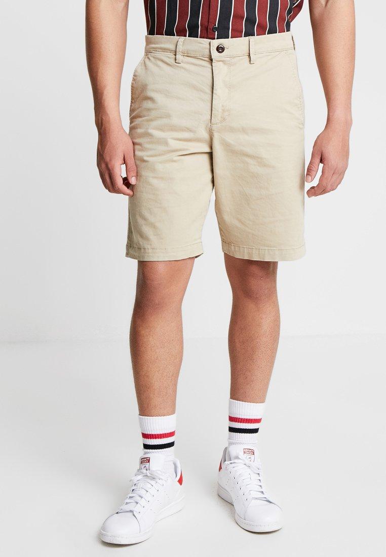 GAP - STRETCH SOLID LIVED - Shorts - iconic khaki