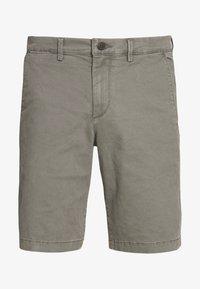 GAP - IN SOLID - Shorts - mesculen green - 4