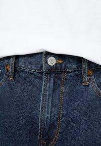 GAP - Džíny Slim Fit - worn dark tint - 5