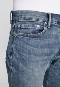 GAP - AUTHENTIC MEDIUM - Jean slim - medium indigo - 4