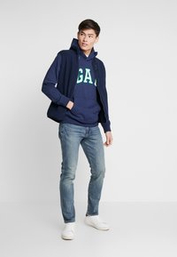 GAP - AUTHENTIC MEDIUM - Jean slim - medium indigo - 1