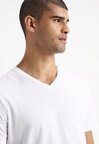 GAP - EVERYDAY SOLIDS - T-shirt - bas - white - 4