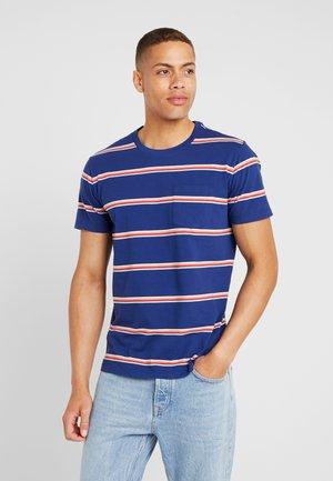 STRIPE - T-shirt med print - deep cobalt