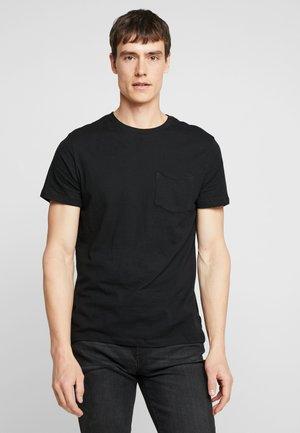 EVERYDAY POCKET CREW - Basic T-shirt - true black
