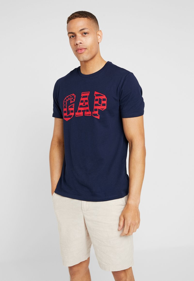GAP - FILLED ARCH - Print T-shirt - tapestry navy