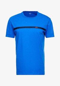 GAP - ORIG TAPE LOGO - T-shirt z nadrukiem - admiral blue - 3