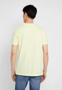 GAP - T-shirt basique - citron - 2