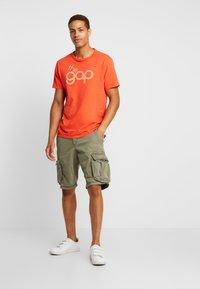 GAP - BUBBLE  - Print T-shirt - red delicious - 1