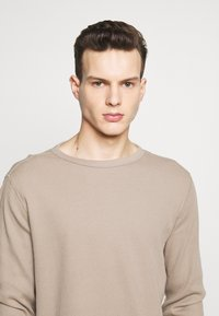 GAP - WAFFLE CREW - Pullover - fall beige - 4
