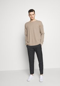 GAP - WAFFLE CREW - Pullover - fall beige - 1
