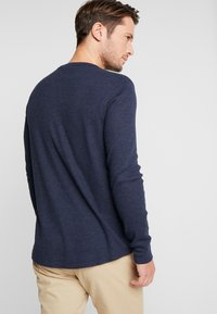 GAP - ARCH THERMAL - Long sleeved top - tapestry navy - 2