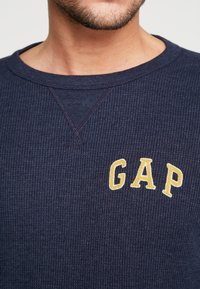 GAP - ARCH THERMAL - Long sleeved top - tapestry navy - 5