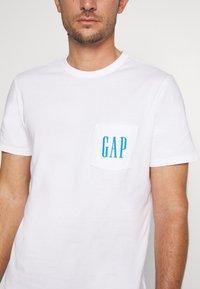GAP - 90S LOGO - Print T-shirt - optic white - 5